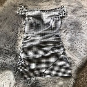 🌸3/$15 Forever 21 Gingham Off The Shoulder Dress